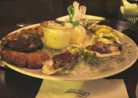 shuckers-oyster-selection