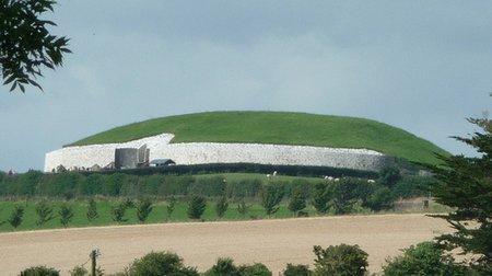 newgrange-passage-grave