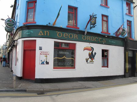 galway-city-pubs-an-deor-drucht