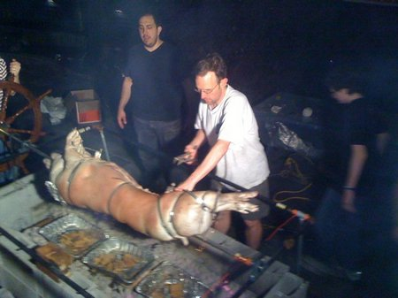 early-pig-roast