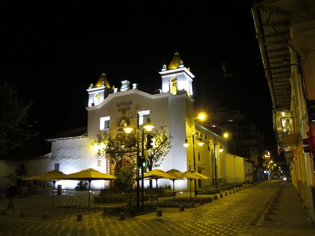 cuenca-at-night