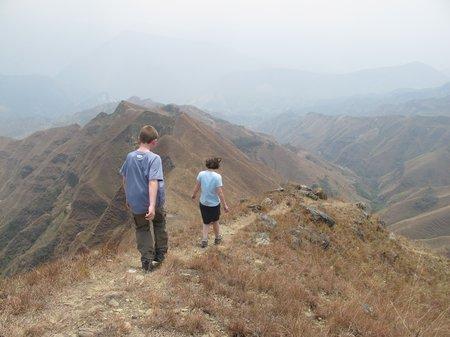 izhcayluma-hike-vilcabamba-descent