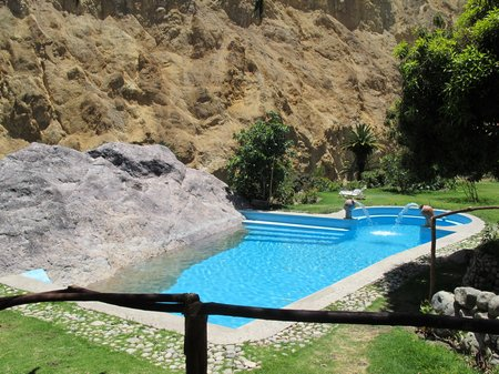 colca-canyon-trek-peru-oasis