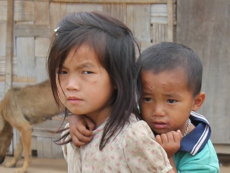 bokeo-laos-village-girl
