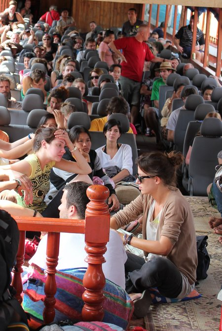 slow-boat-to-luang-prabang-crowded