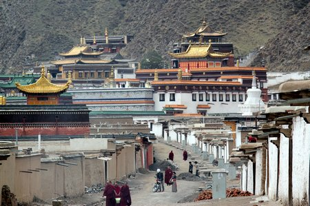 china-with-kids-labrang-monastery