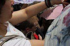 china-with-kids-leshan-buddha-crowds