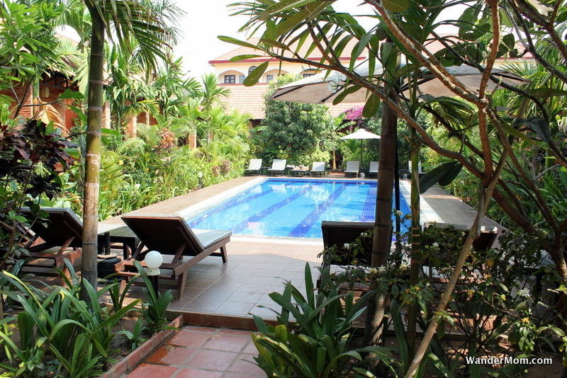 central-boutique-angkor-hotel-pool