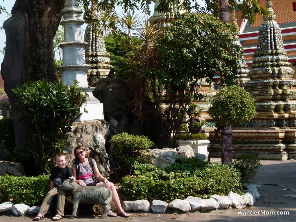 bangkok-with-kids-temple-visit