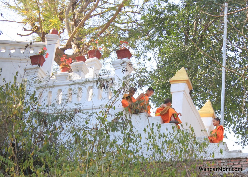 luang-prabang-laos-young-monks