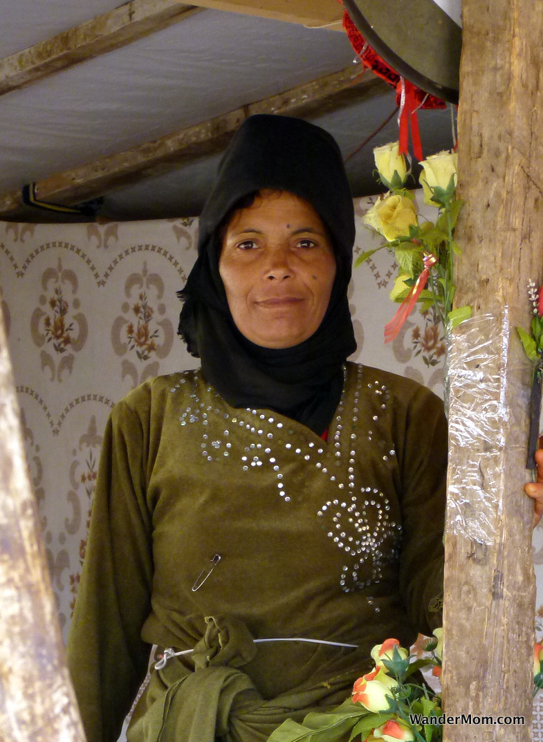 syrian-lady-in-green